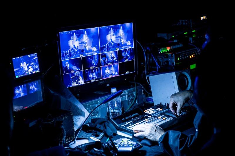 須田景凪 ライブを捉えるカメラ画面