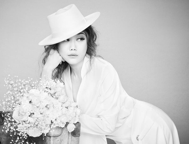 b868ec13962ec 壮大な愛と運命を描く 映画『パッセンジャー』日本語吹替版テーマソングとして、3月22日にリリースされるJUJU最新曲「Because of You」の リリックビデオが完成した。